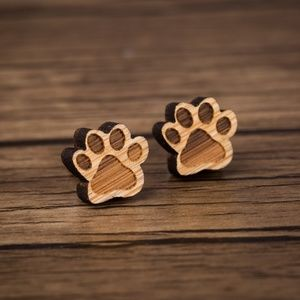"Urban Outfitters ""Wooden Woof"" Vintage Earrings"
